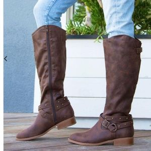 Shoes - 6, &7 Brown Western Buckle Boot PRICE FIRM